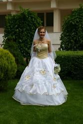 Продам свадебное платье Цвет белый