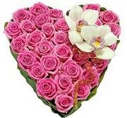 Композиции из цветов на Валентина